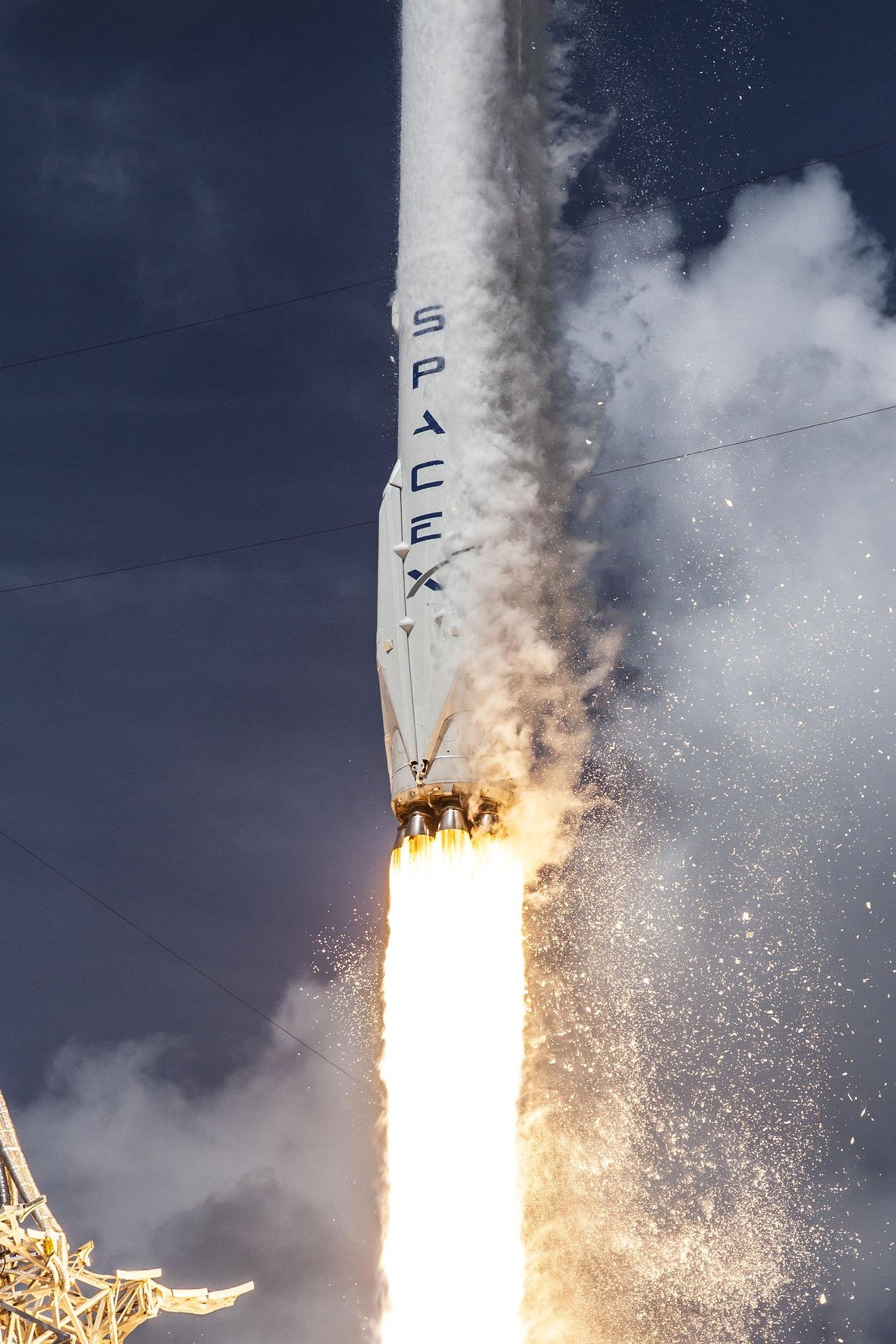 rocket-launch-693266_1920