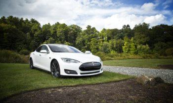 """Elon Musk di Tesla: """"Le nostre auto completamente autonome sono molto vicine"""""""