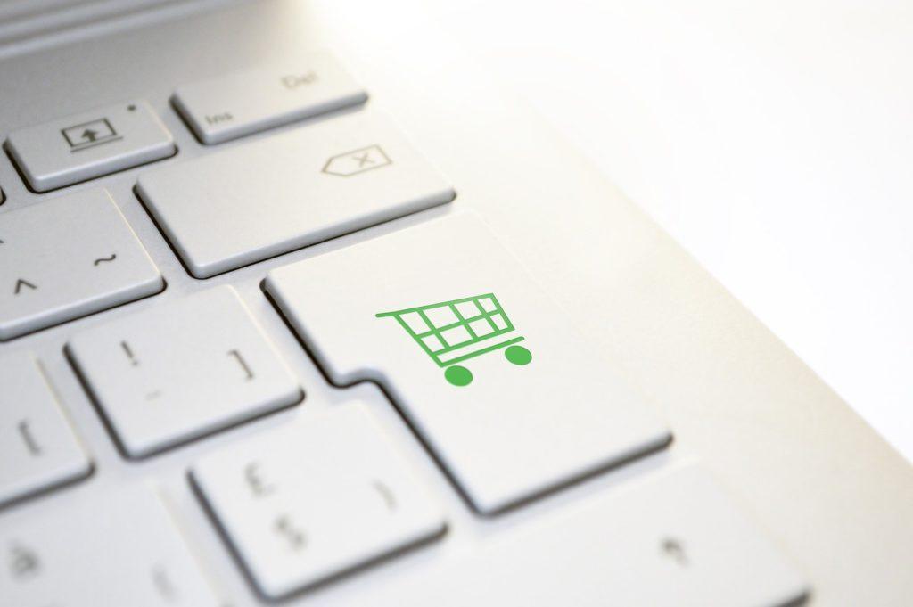 Intelligenza artificiale a supporto dell'e-commerce con Qapla' e Userbot